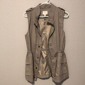 New light grey vest